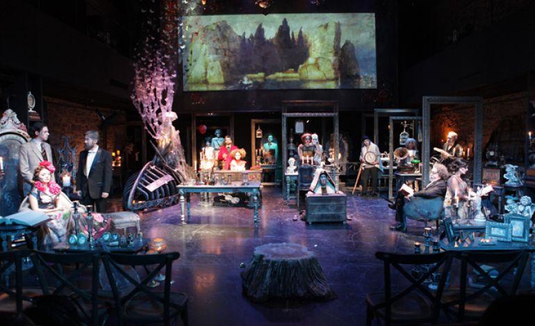 Huzur Tiyatro Gösterisi